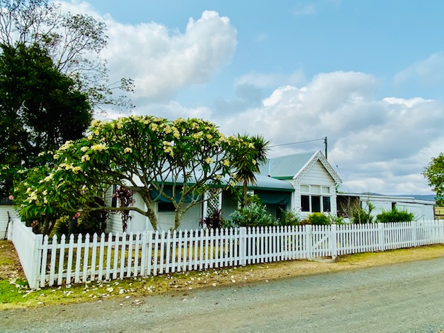 201 River Road, Taree South, NSW 2430