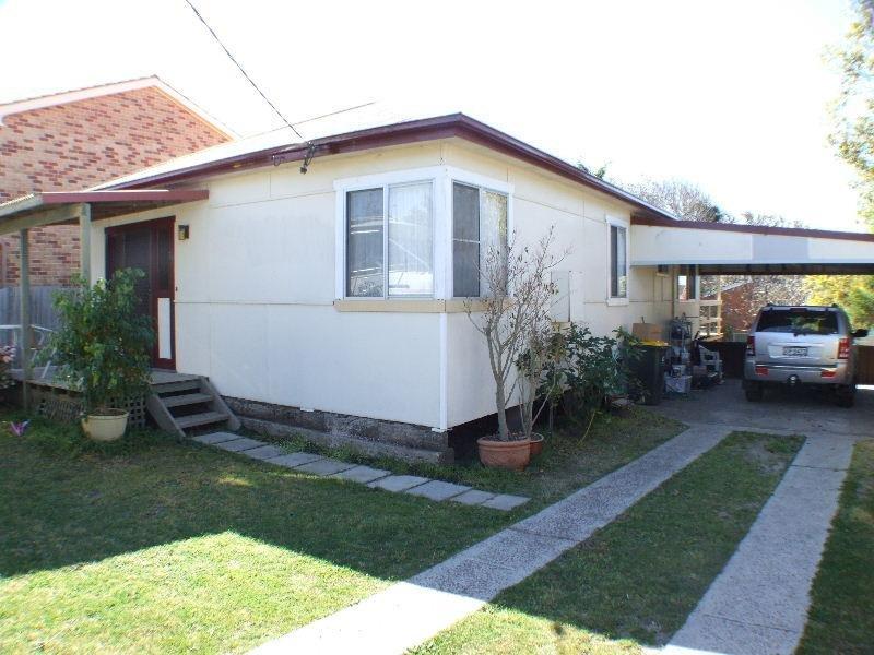 14 Moorah Avenue, Blue Bay, NSW 2261
