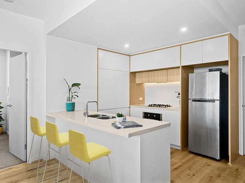 702/81B Lord Sheffield Circuit, Penrith, NSW 2750