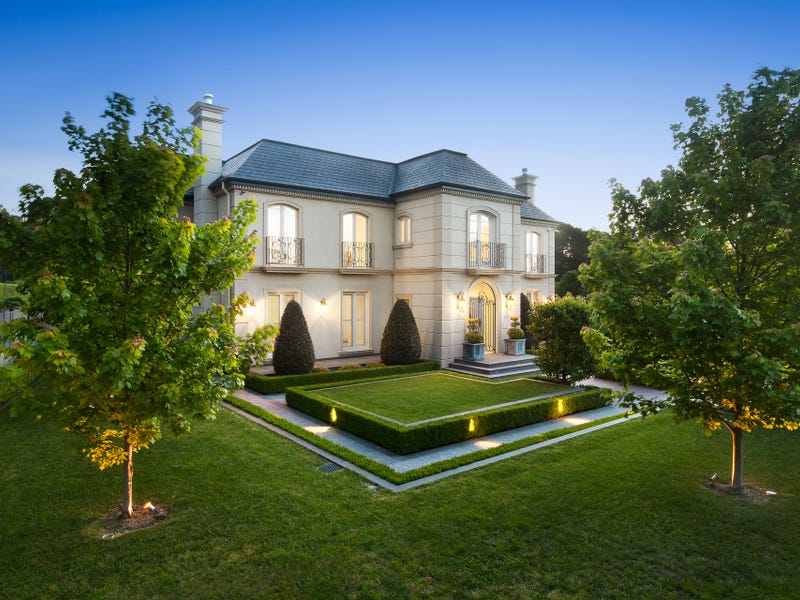 31 Knees Road, Park Orchards, Vic 3114