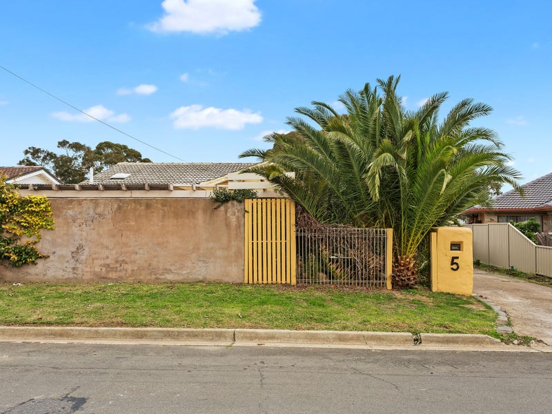 5 Young Avenue, Port Noarlunga, SA 5167