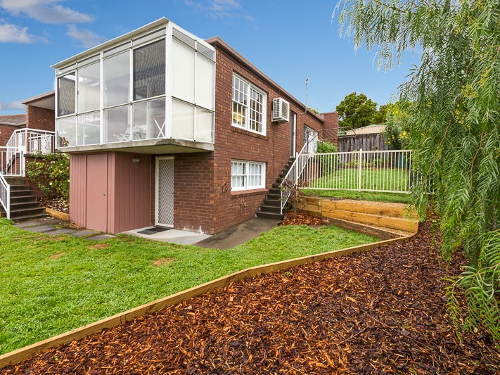 2/16 Fehre Court, Sandy Bay, Tas 7005