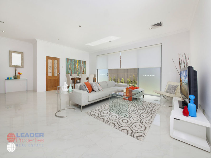 25 Bayview Road, Canada Bay, NSW 2046