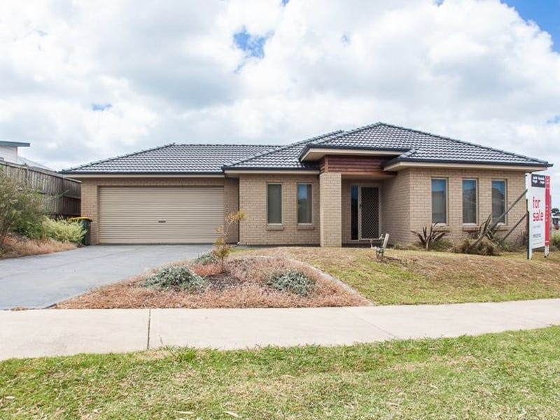 10 Kingfisher Way, Cowes, Vic 3922