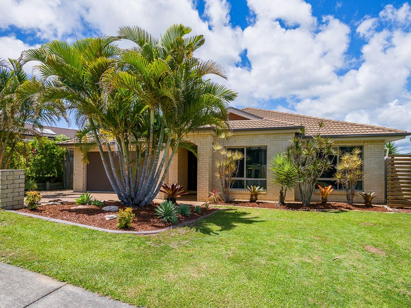 9 Wellers Street, Pacific Pines, Qld 4211