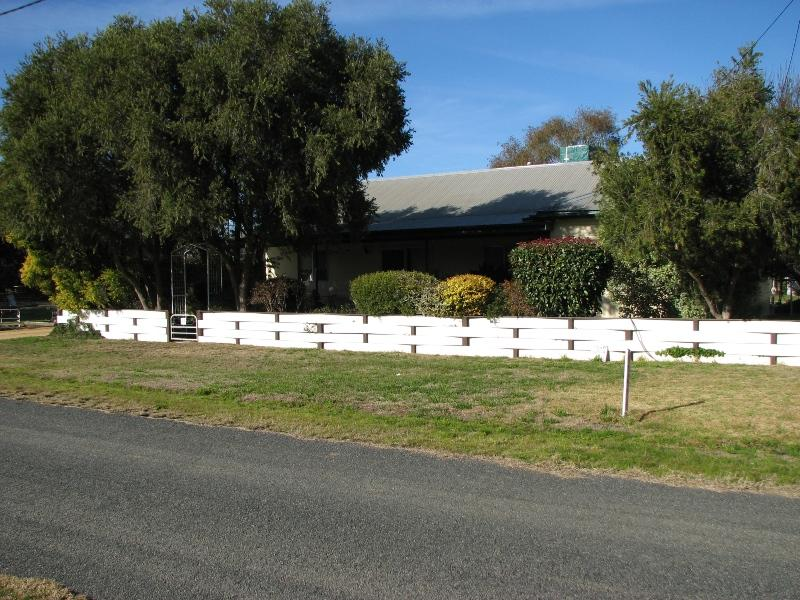 37 Redbank Street, Greenethorpe, NSW 2809