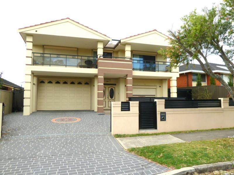 2 Bromley Avenue, Greenacre, NSW 2190