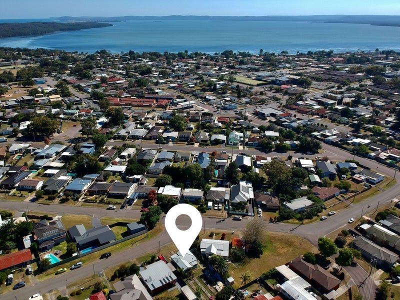 2 Barnard Crescent, Toukley, NSW 2263
