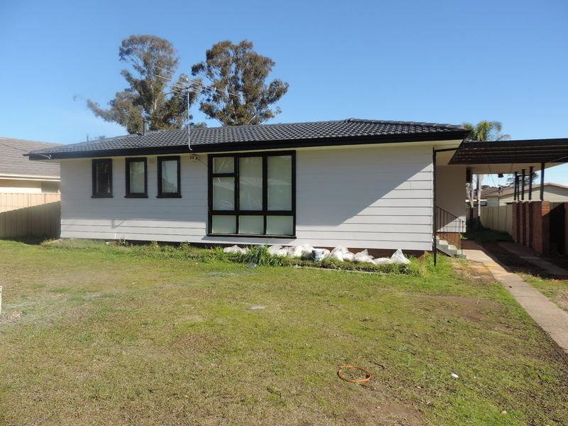28 Cumbernauld Crescent, Dharruk, NSW 2770