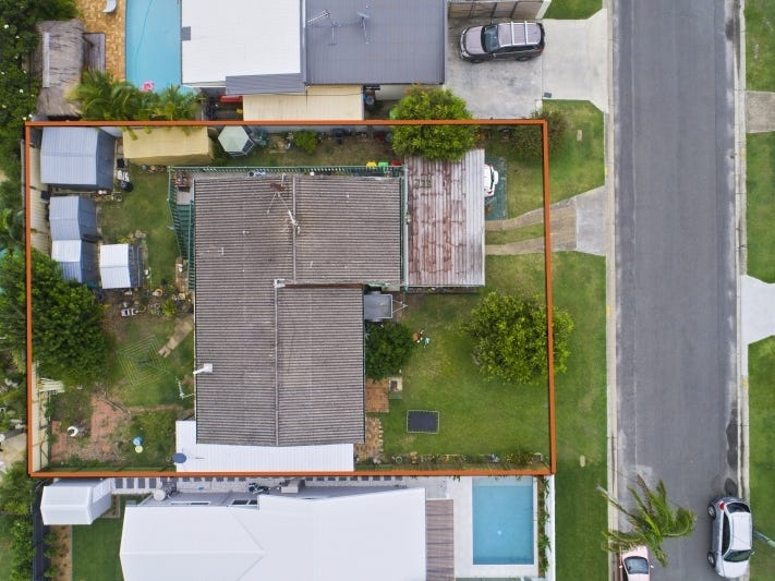 6 Clinton Avenue, Burleigh Waters, Qld 4220