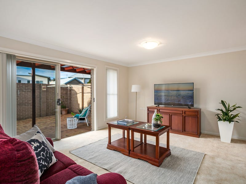 2 Gayantay Way, Woonona, NSW 2517
