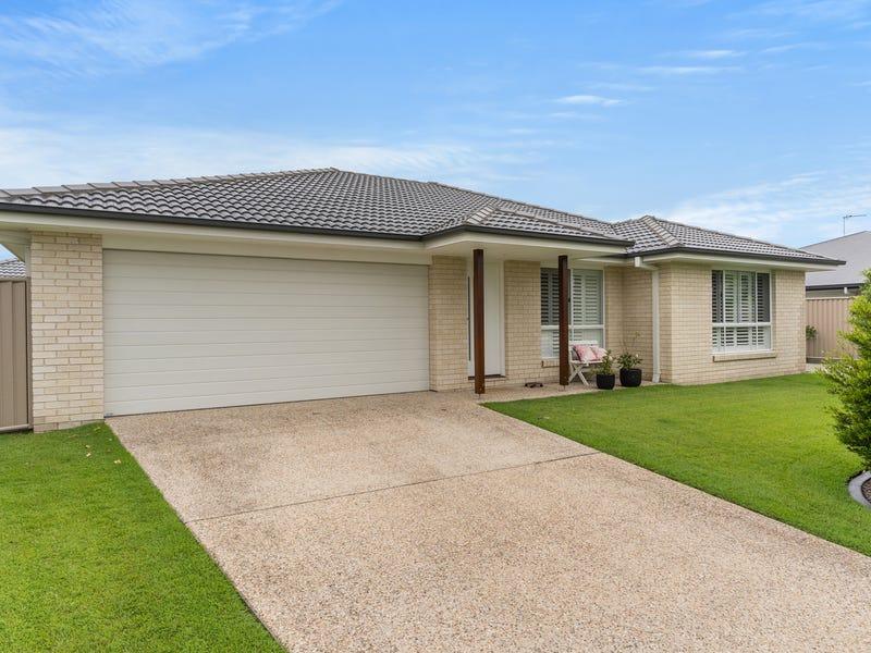 1/4 Woolgoolga Court, Pottsville, NSW 2489