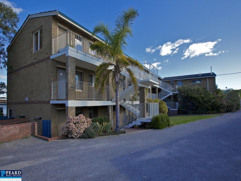 7/4 Sackville Terrace, Scarborough, WA 6019