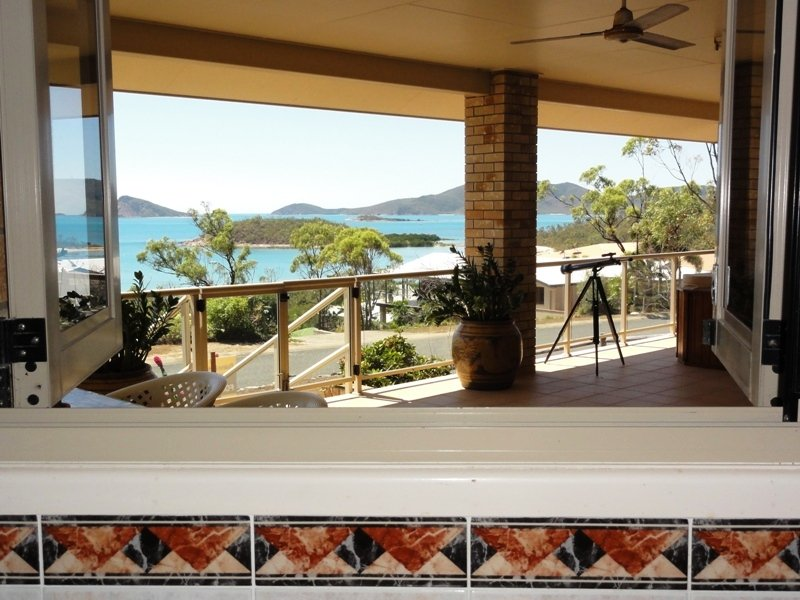 20 Blackcurrent Drive, Hideaway Bay, Qld 4800