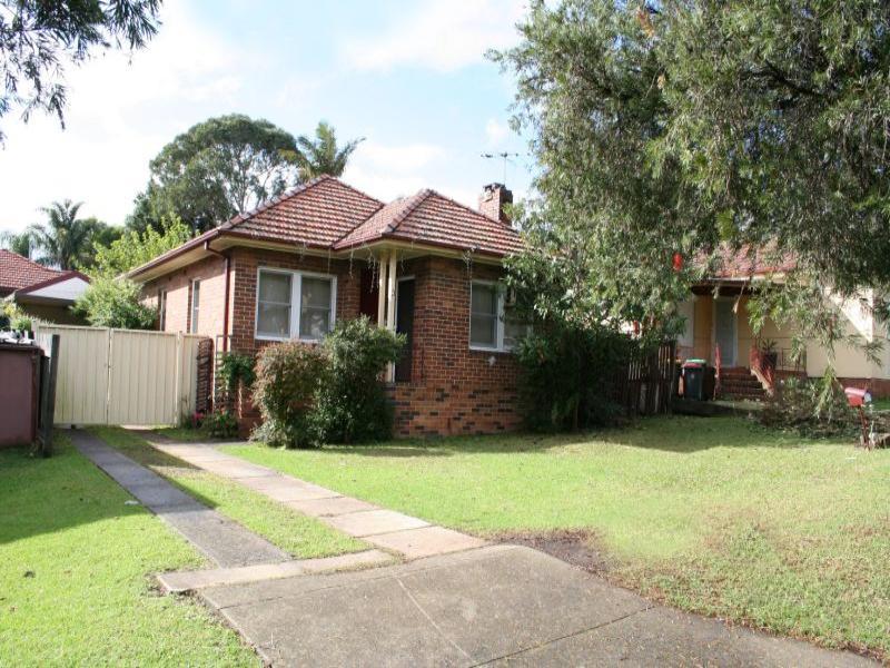 8 Stoddart Street, Roselands, NSW 2196