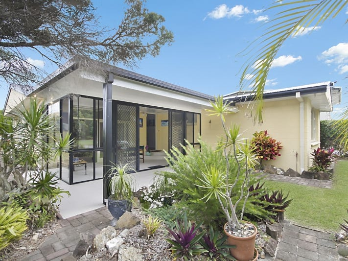 296 Coolangatta Road, Bilinga, Qld 4225