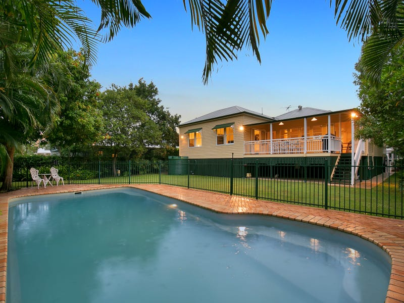 215 Verney Road East, Graceville, Qld 4075