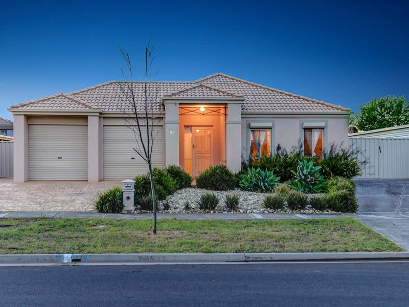 87 Westlake Drive, Melton West, Vic 3337
