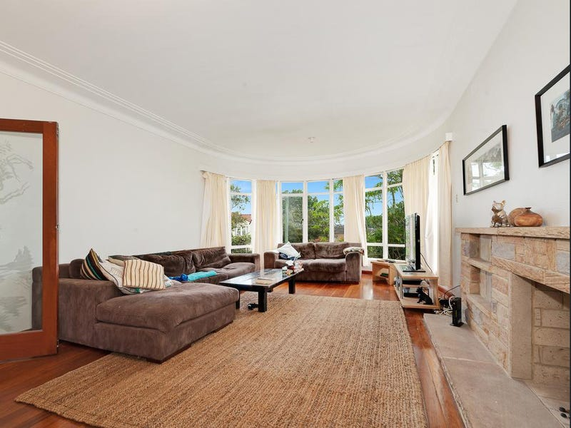 9 Dalmeny Road, Northbridge, NSW 2063