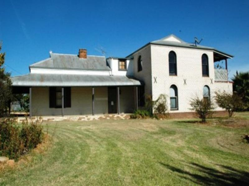 19 Bell St, Yeoval, NSW 2868