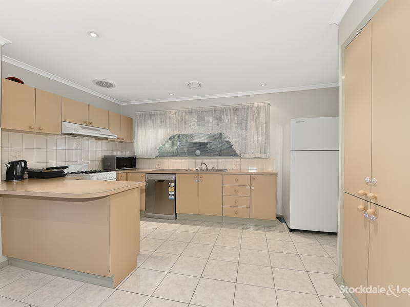 8 Trotting Place, Epping, Vic 3076