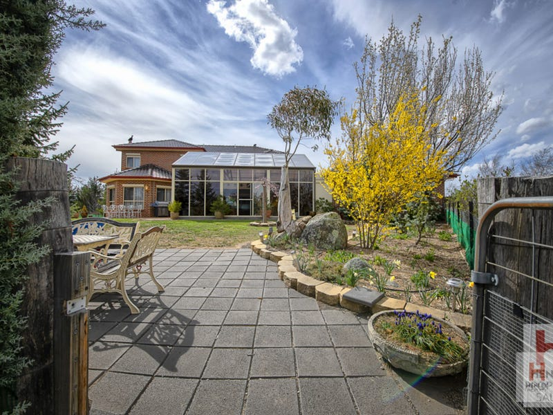 Number 12 Carruthers Road, Jindabyne, NSW 2627