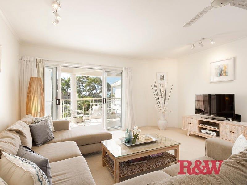27/'Macquarie Lodge Banksia Avenue North, Noosa Heads, Qld 4567