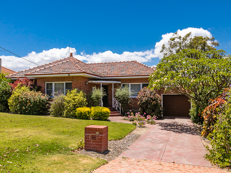 150 Deanmore Road, Scarborough, WA 6019