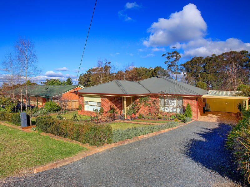 13 Charles Street, Hill Top, NSW 2575