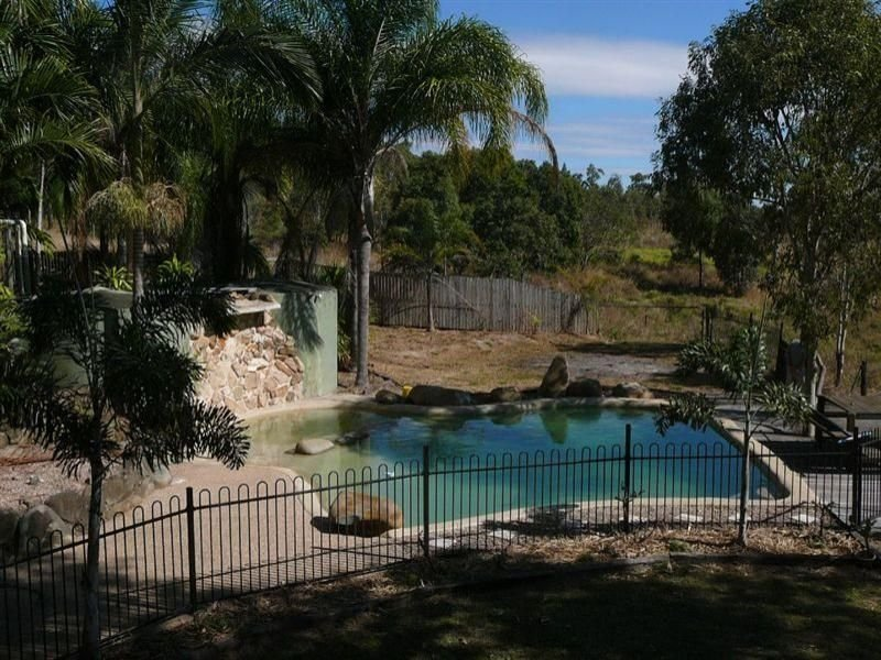 23 Carnegie Court, Oakenden, Qld 4741