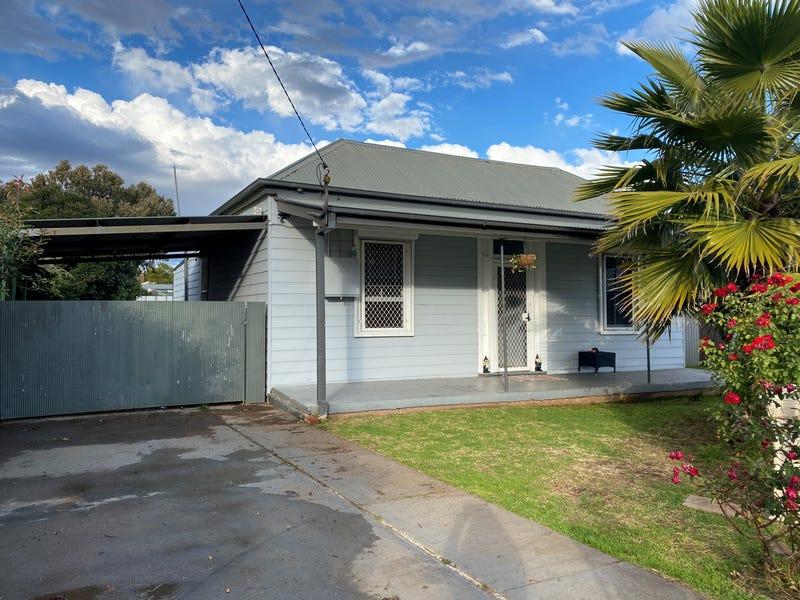 8 Railway Avenue, Wellington, NSW 2820