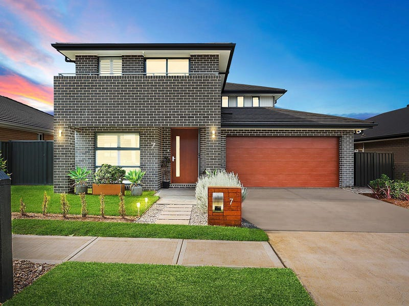 7 Canal Parade, Leppington, NSW 2179