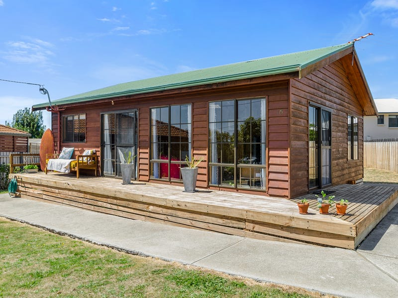 16 Old Spring Bay Road, Swansea, Tas 7190