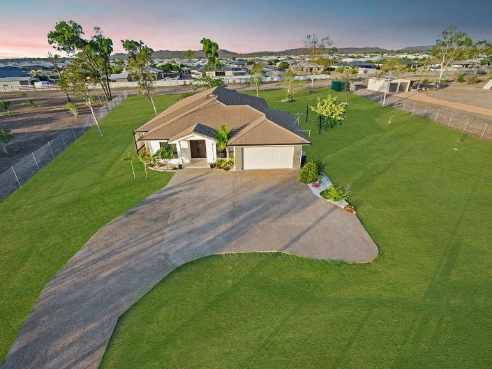12 Mowbray Court, Mount Low, Qld 4818