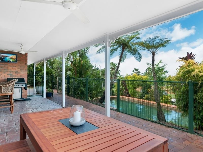 15 Toona Tce, Redlynch, Qld 4870