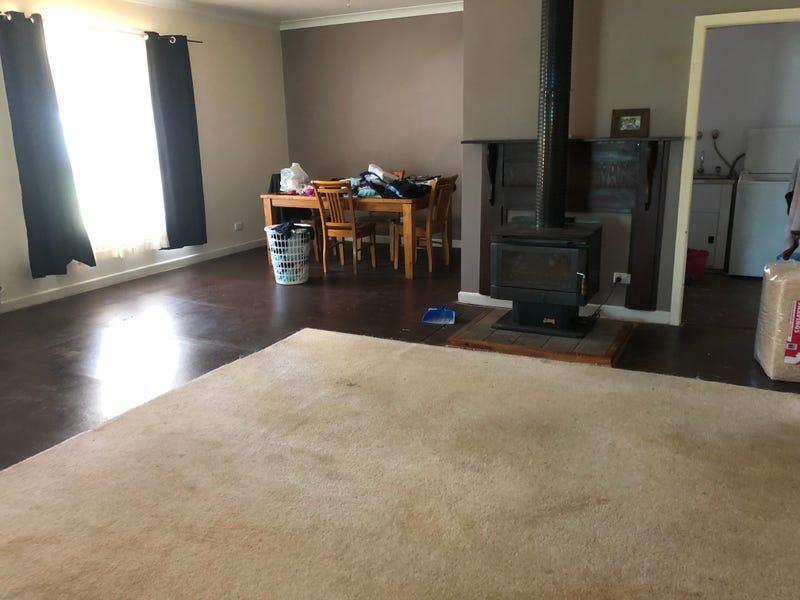 149 Kitchener Rd, Temora, NSW 2666