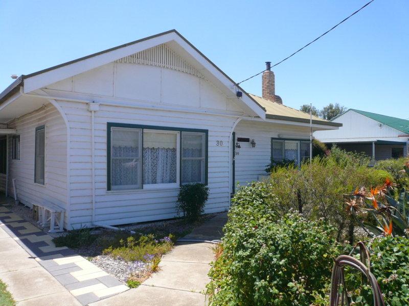 30 South Street, Minyip, Vic 3392