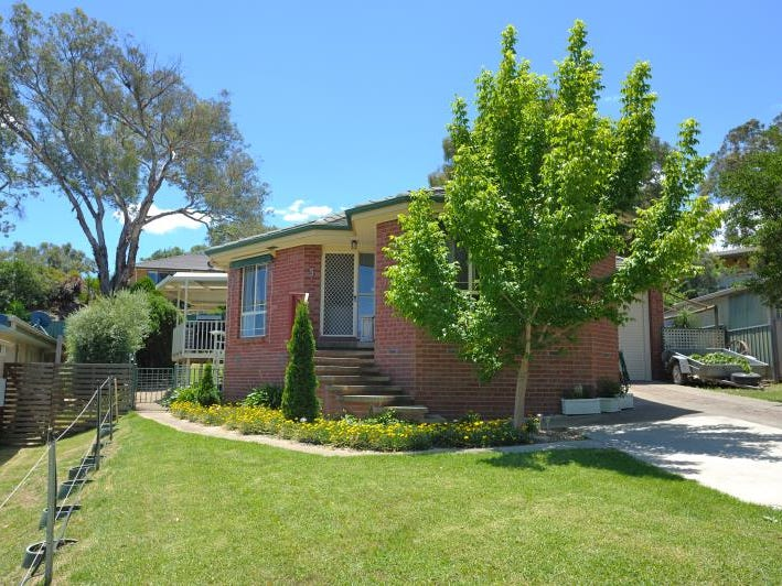 5 Jillabenan Close, Tumut, NSW 2720