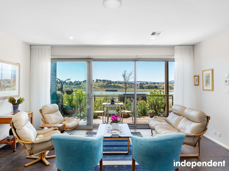 46 Edgeworth Parade, Coombs, ACT 2611