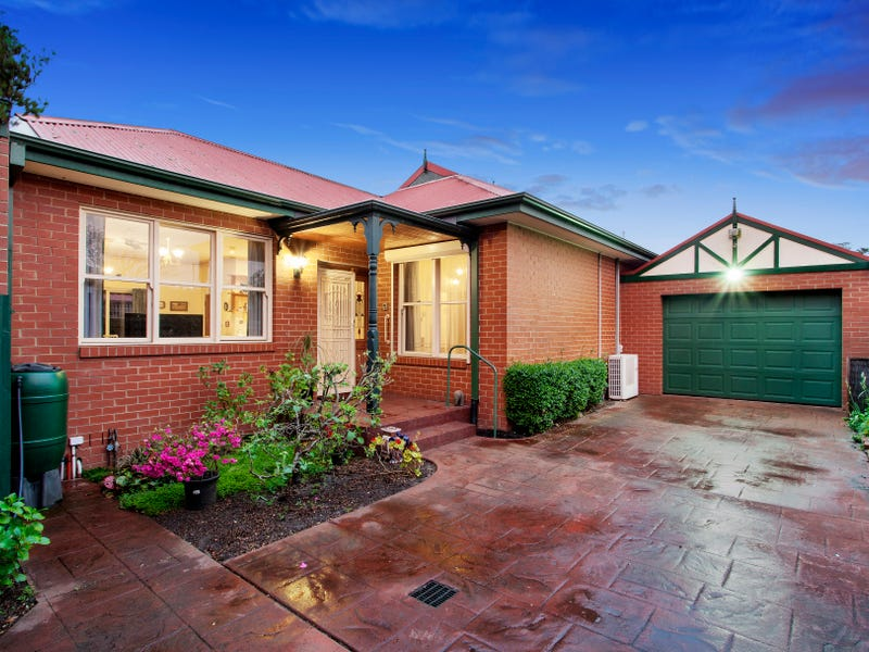 2/30a Normanby Street, Hughesdale, Vic 3166