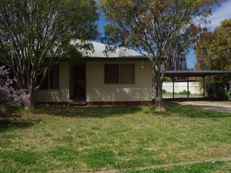 Unit 1/2 Day Street, Cowra, NSW 2794