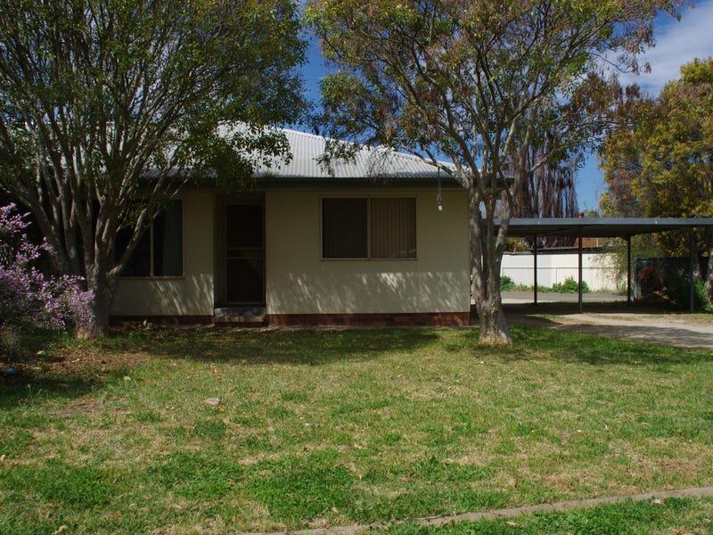 Unit 1/2 Day Street, Cowra, NSW 2794