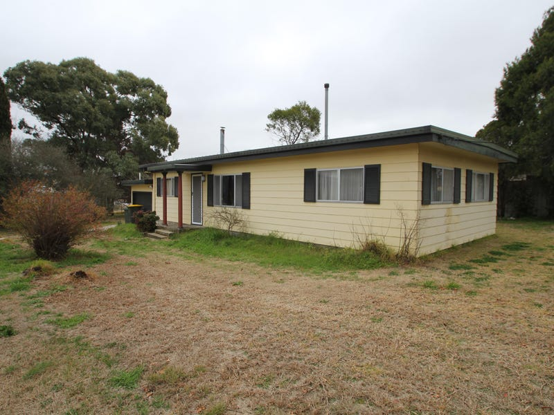 31 Clive Street, Tenterfield, NSW 2372