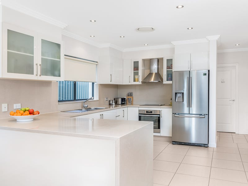 763 Henry Lawson Drive, Picnic Point, NSW 2213