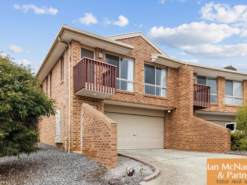 1/3 Winchester Place, Queanbeyan, NSW 2620