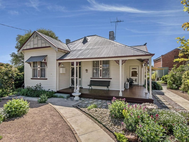 16 Main Street, Bridgewater, Vic 3516