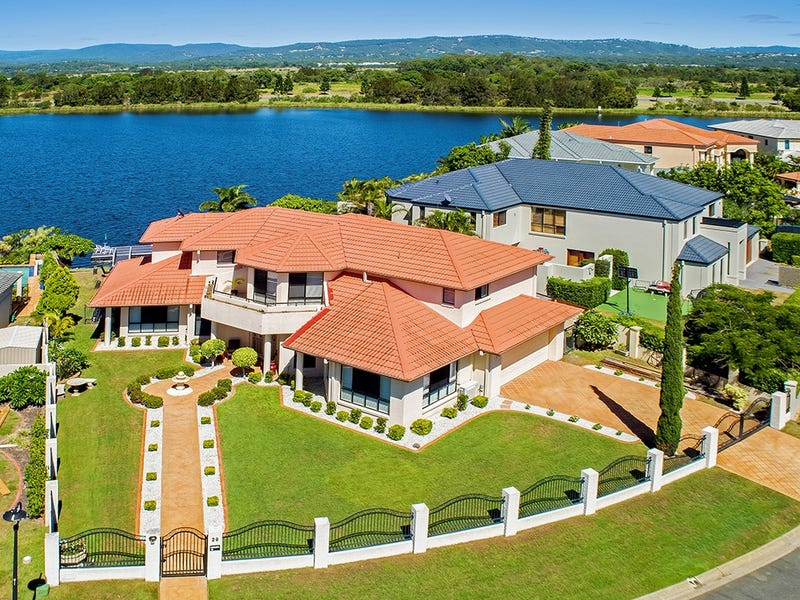 29 Staysail Crescent, Clear Island Waters, Qld 4226