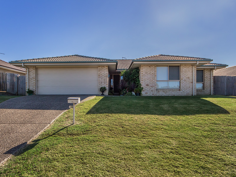 98 REIF STREET, Flinders View, Qld 4305