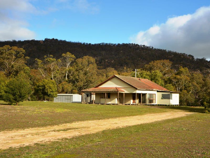 118 Burrong Basin Road, Black Range, Vic 3381