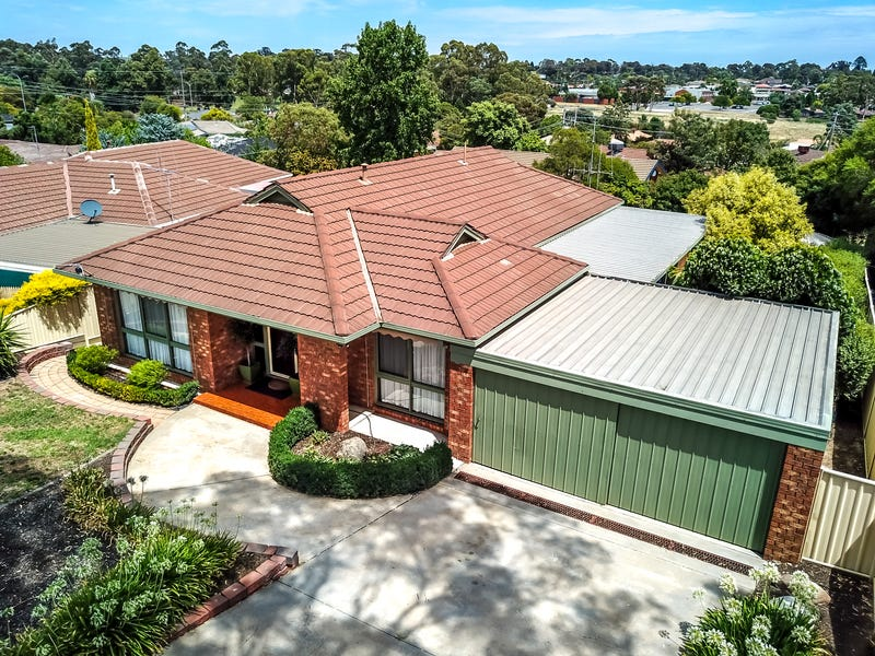 13 Powells Avenue, Strathdale, Vic 3550